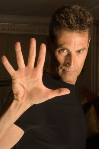 Uri Geller 2008 line of clairvoyance, hand analysis tips
